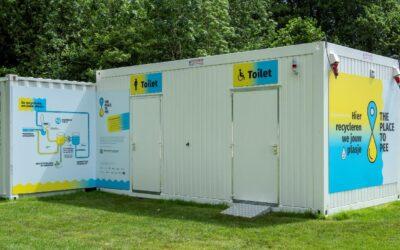 Platz zum Pinkeln: öffentliche Recycling-Toilette in Gent